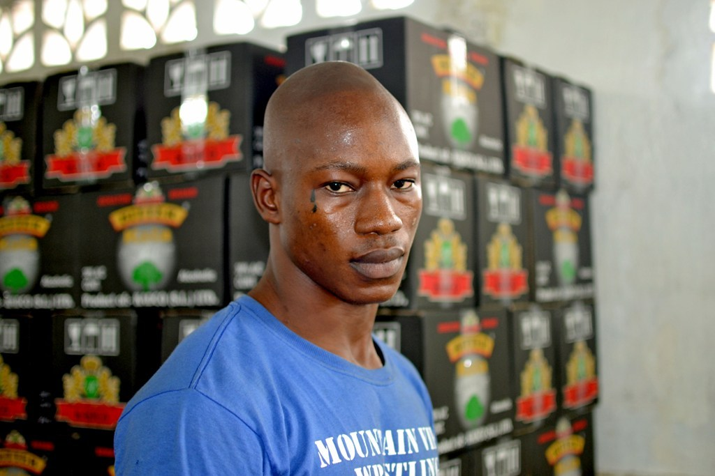 Packet Alcohol Delivers a Serious Hangover in Sierra Leone – VICE News