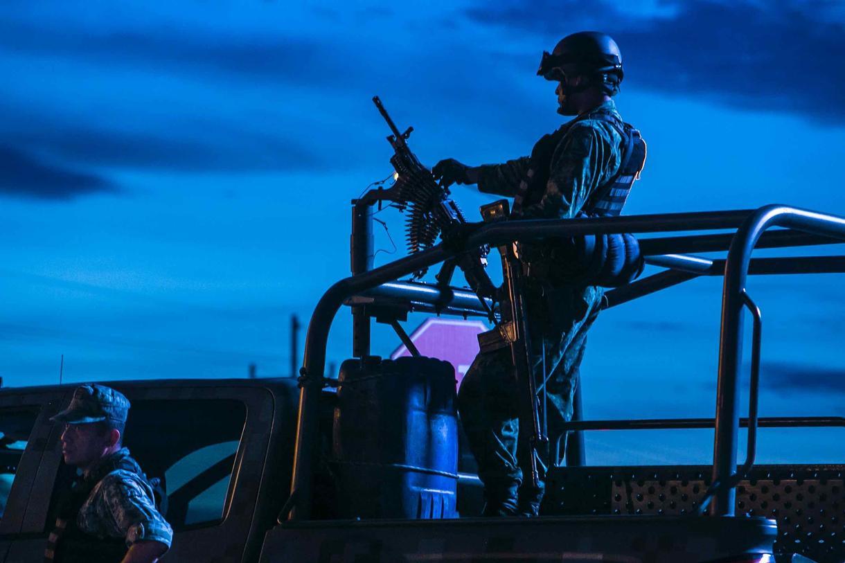 Homosexualidad y Fuerzas Armadas - Página 2 Vivir-vih-ejercito-mexicano-ellos-120-no-tienen-derecho-llorar-body-image-1503330020