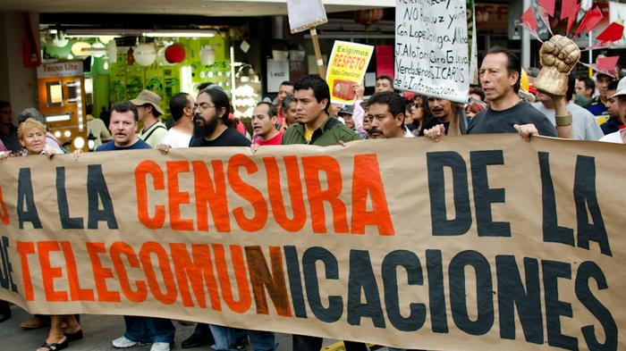Mexican Youth Protest 'Anti-Freedom of Expression' Telecom Bill