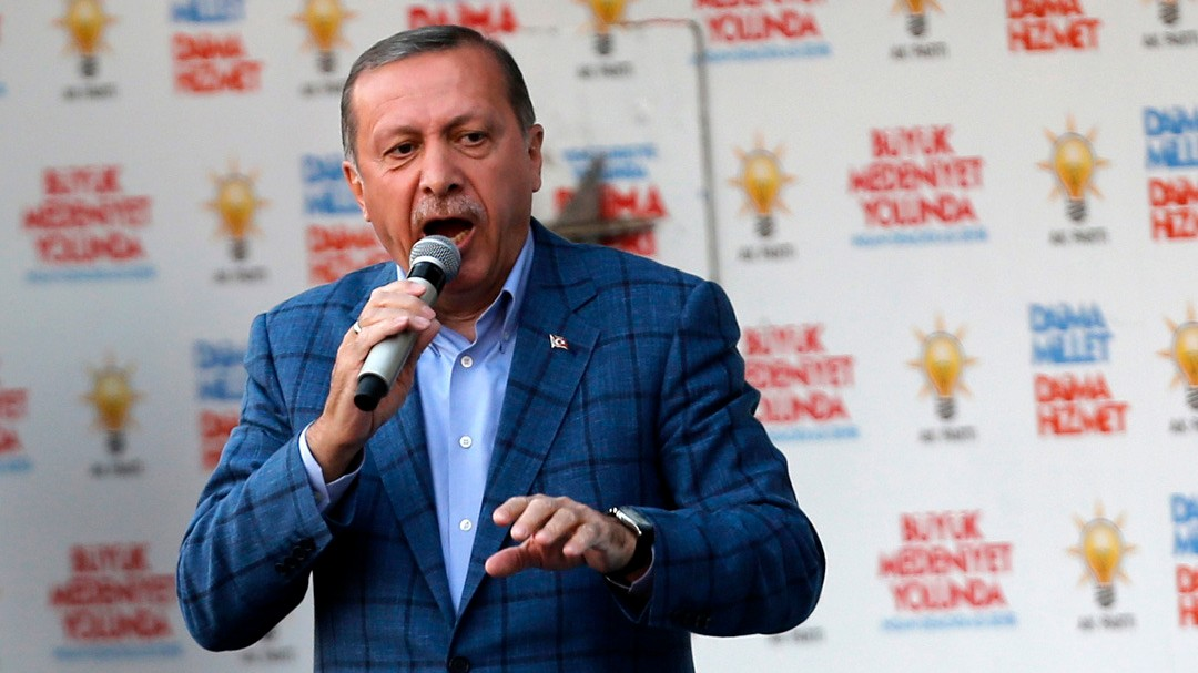 Twitter Blocks Turkish Access to Accounts Used in Erdogan Audio Leaks
