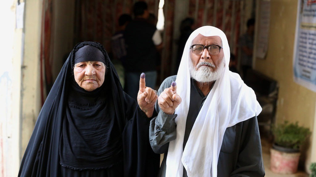 Iraqis Defy Suicide Bombers to Vote in National Elections