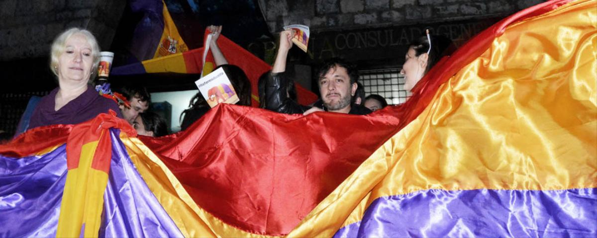 Spaniards Across Spain and in Mexico City Call for a Referendum on the Monarchy