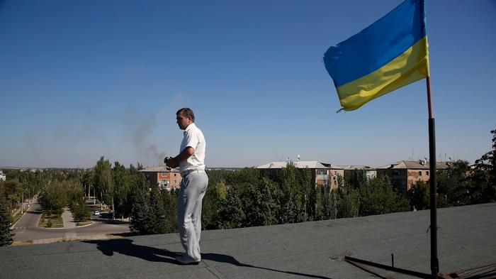 Pro-Russia Forces Gain Ground as Ukraine's Volunteer Battalions Decry Kiev Leaders