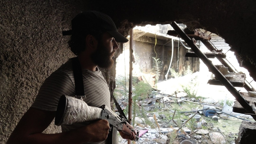 US Senate Approves Plans To Arm Syrian Rebels As France Begins Airstrikes In Iraq