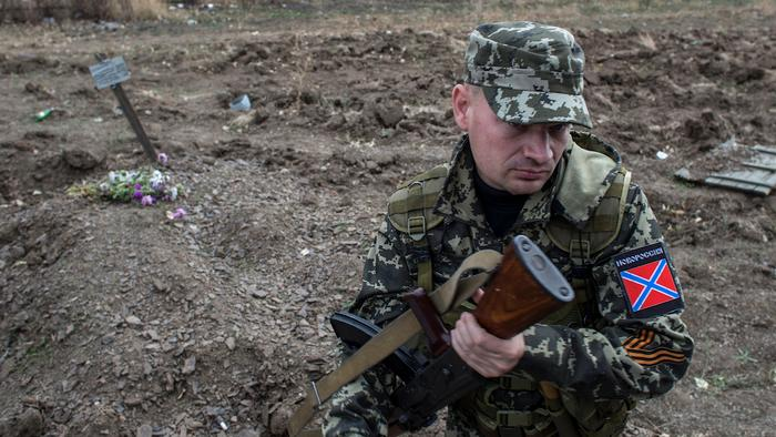 War Crime Inquiries and a Toppled Lenin as Ukraine Ceasefire Violations Continue