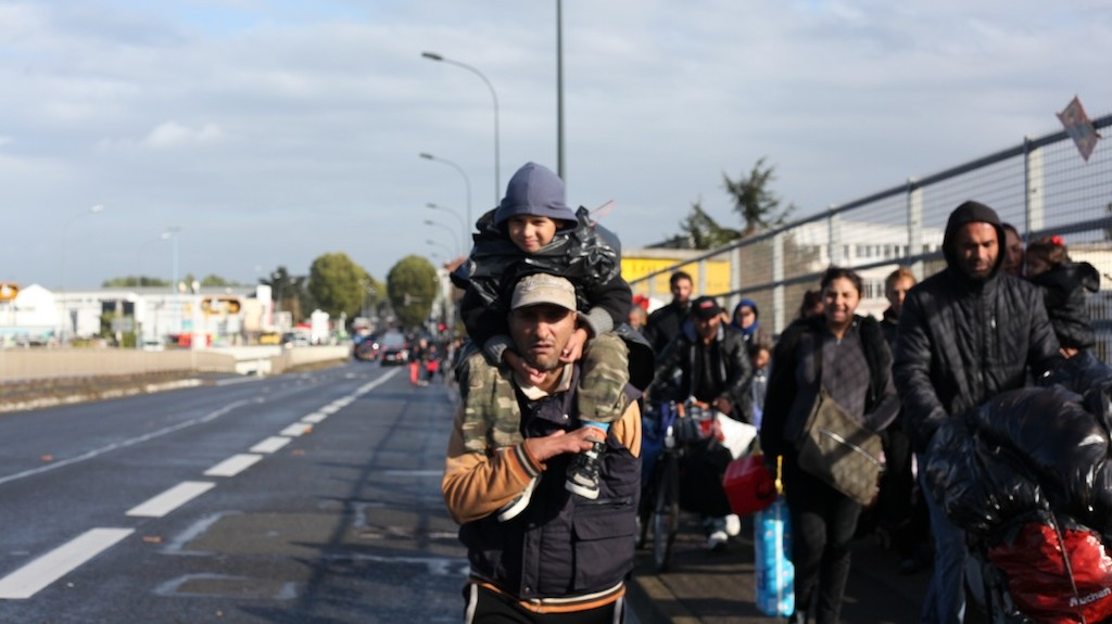 Forced Evictions of Paris Slum Leave 200 Roma Residents Homeless