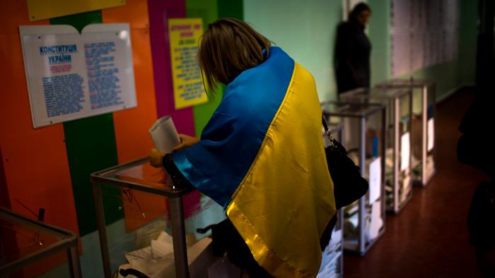 Ukraine Votes for New Parliament as Conflict in East Continues
