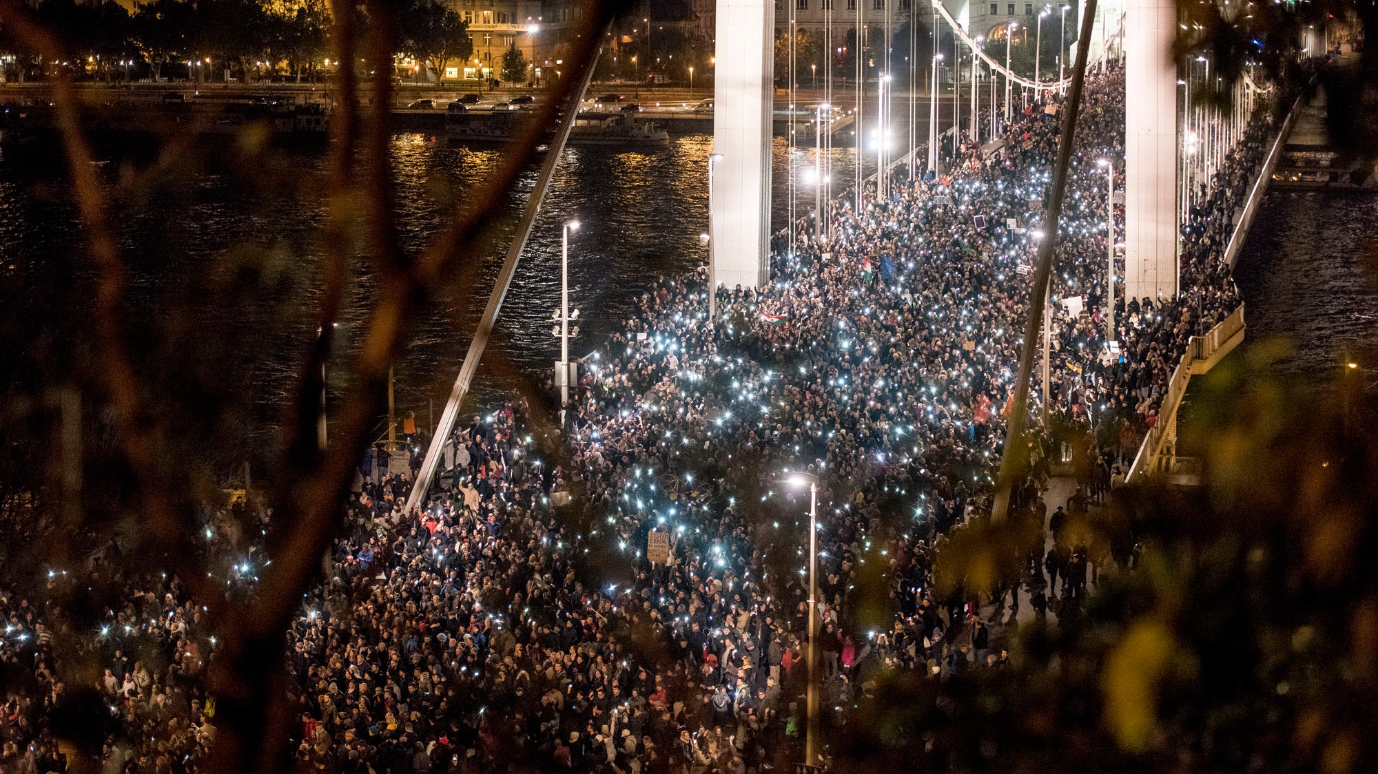 Huge Internet Tax Protests Galvanize Government Opposition in Hungary