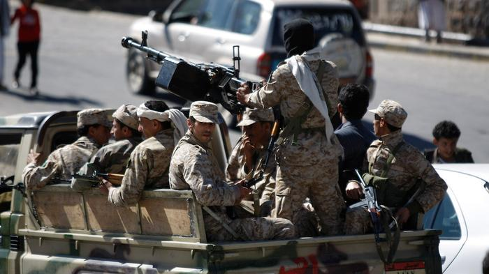 Yemeni Special Forces Rescue Eight Hostages from al Qaeda in US-backed Raid