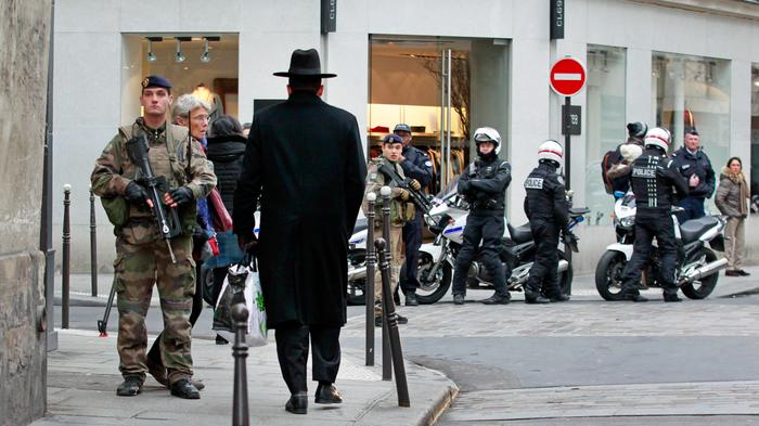 France Deploys 10,000 Soldiers on the Streets After Terrorist Attacks