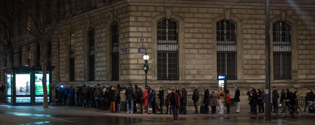 First Post-Massacre Issue of 'Charlie Hebdo' Released to Massive Demand