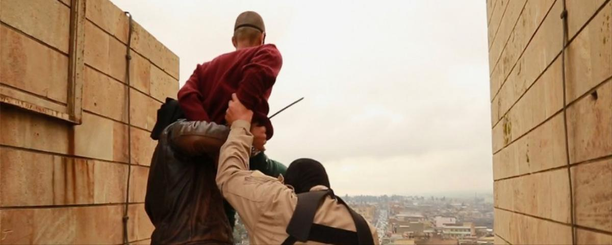 Gruesome Photos Allegedly Show Islamic State Throwing Gay Men Off a Tall Building