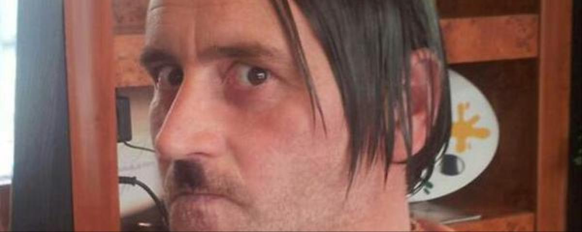 PEGIDA Leader Resigns After His Hitler Selfie Goes Viral