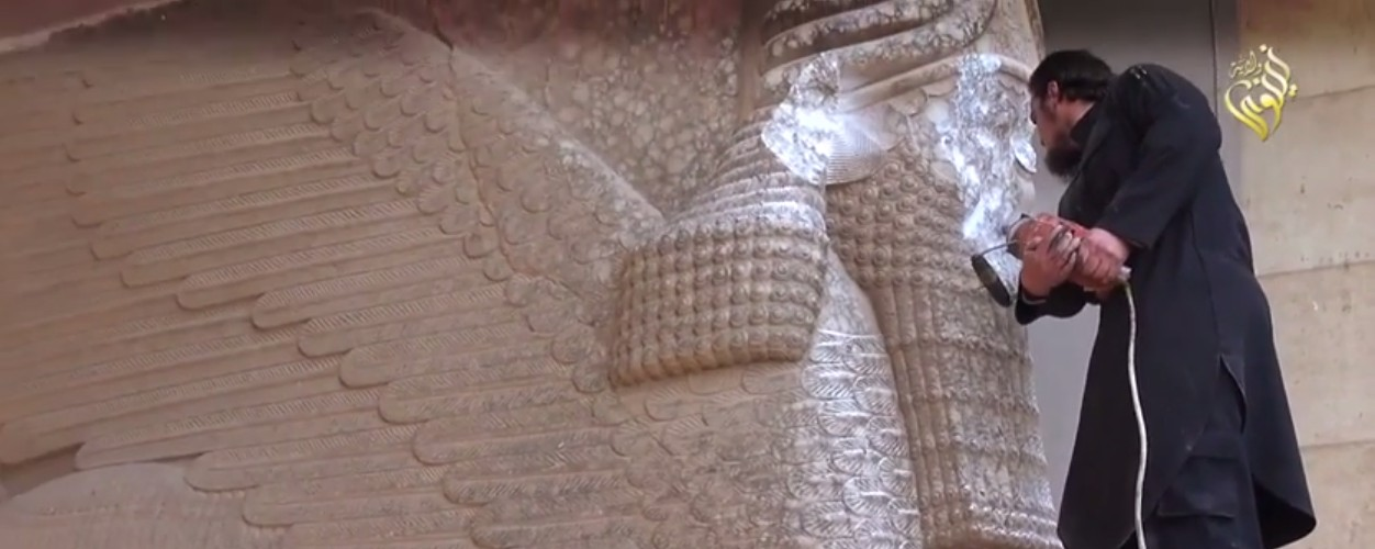 Video Shows Islamic State Smashing Ancient Artifacts in Mosul