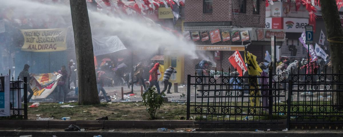In Photos: Turkish Police Clash With May Day Protesters in Istanbul