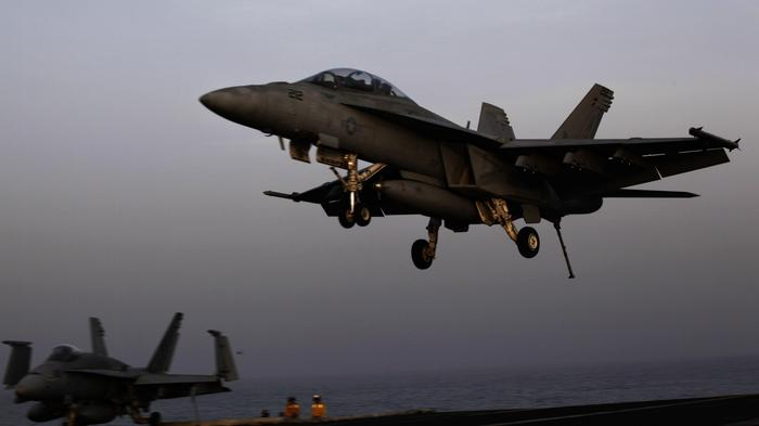 US Coalition Accused of 'Massacre' After Airstrikes Allegedly Kill Dozens of Civilians in Syria