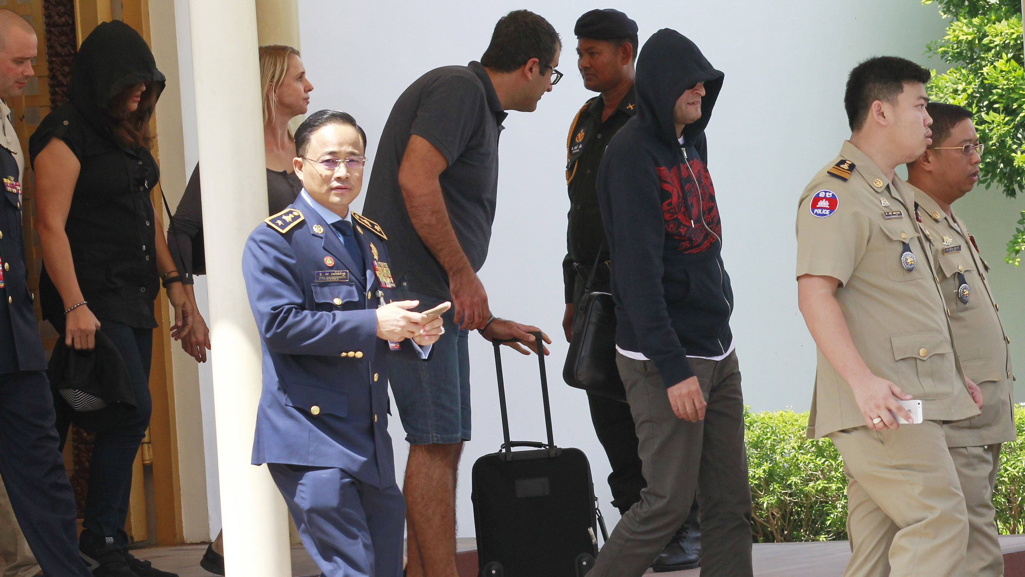 'Trading Refugees for Money': Four of Australia's Failed Asylum Seekers Arrive in Phnom Penh