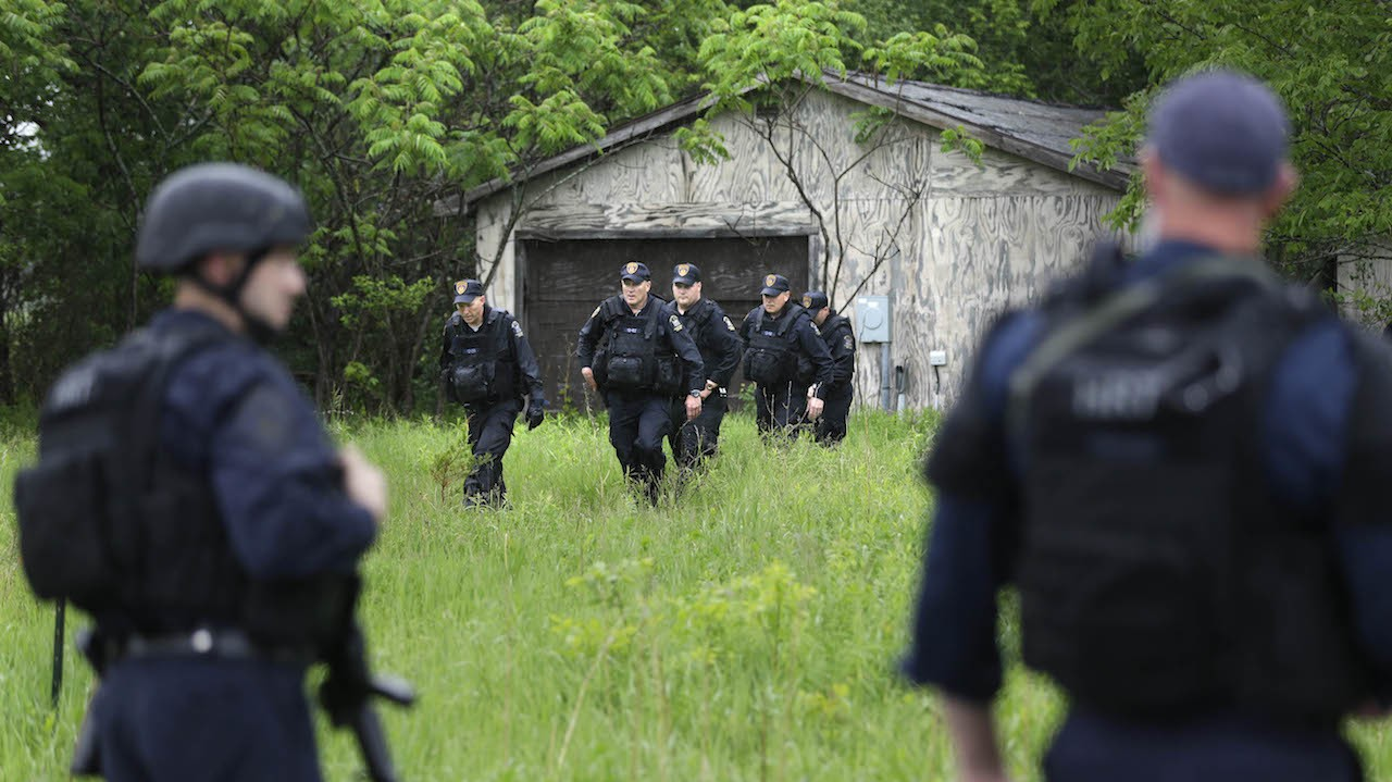 Escaped Killers May be Headed to Vermont; Reportedly Sighted in NY Town After Escape