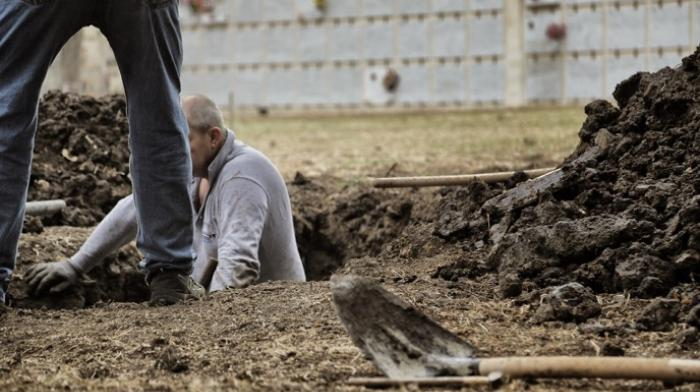 Activists Shame German Government by Burying Corpses of Migrants in Berlin