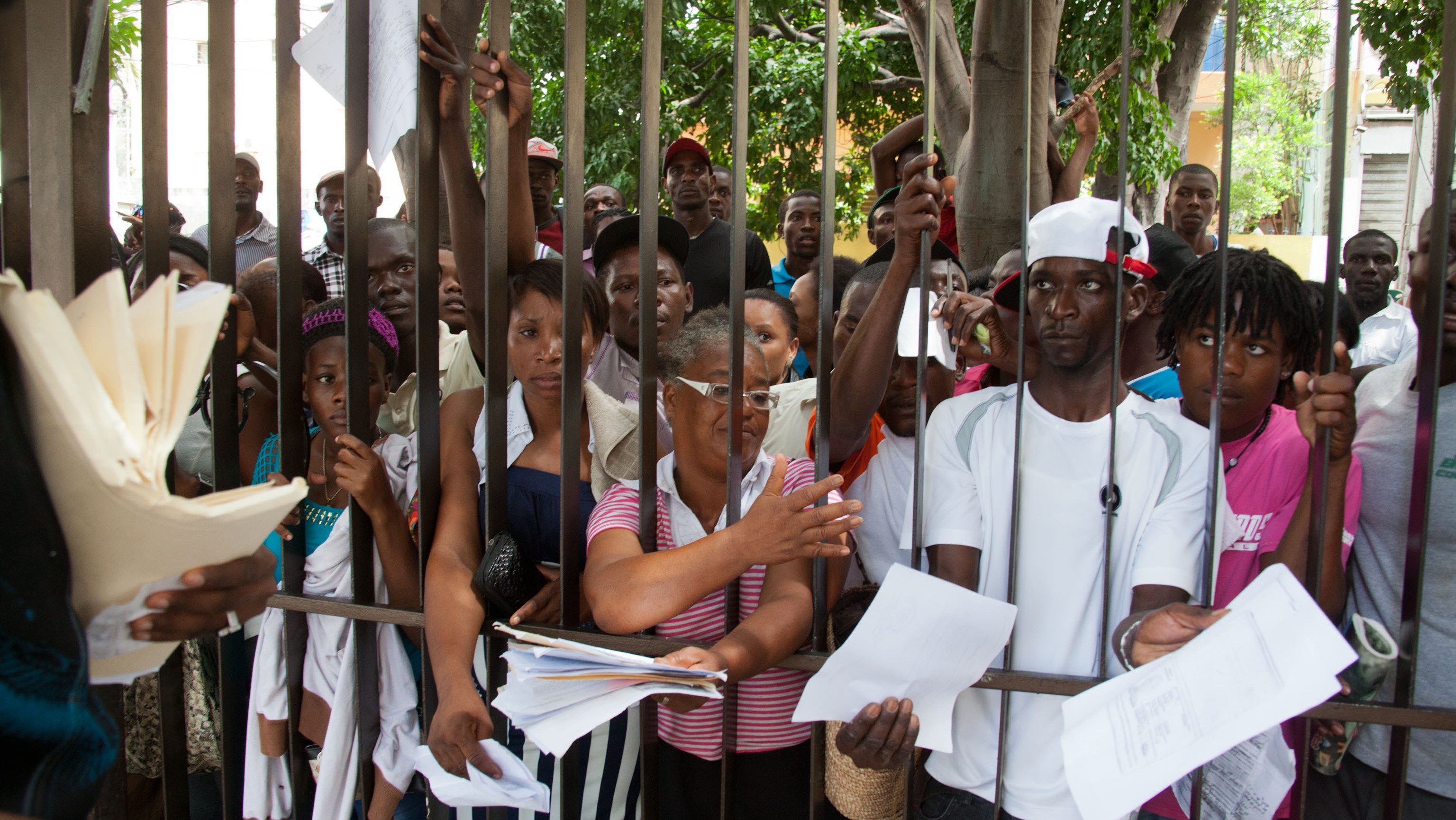 Dominican Republic Gives Haitians Until Midnight to Register or Face Deportation