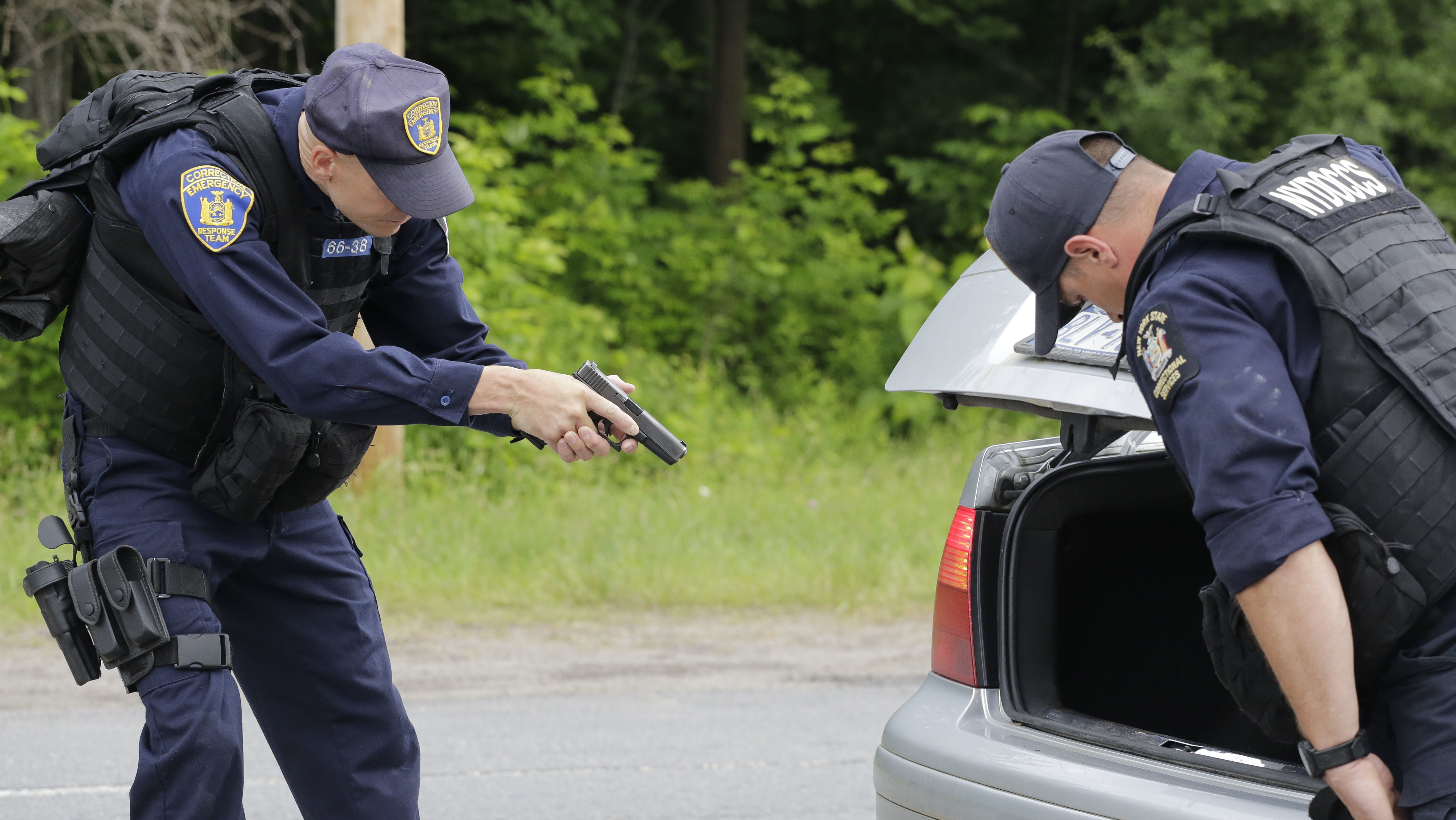 Hunt for Escaped Killers Focuses on Tiny New York Town After Possible Sighting