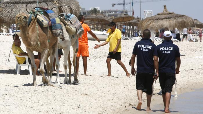 Tunisia Arrests Beach Massacre Suspects and Closes 80 Mosques