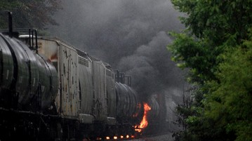 Train Derailment and Fire Forces Evacuation of 5,000 People in Eastern Tennessee