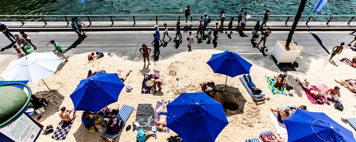 paris tightens security ahead of controversial 39 tel aviv on seine 39 beach event vice news. Black Bedroom Furniture Sets. Home Design Ideas