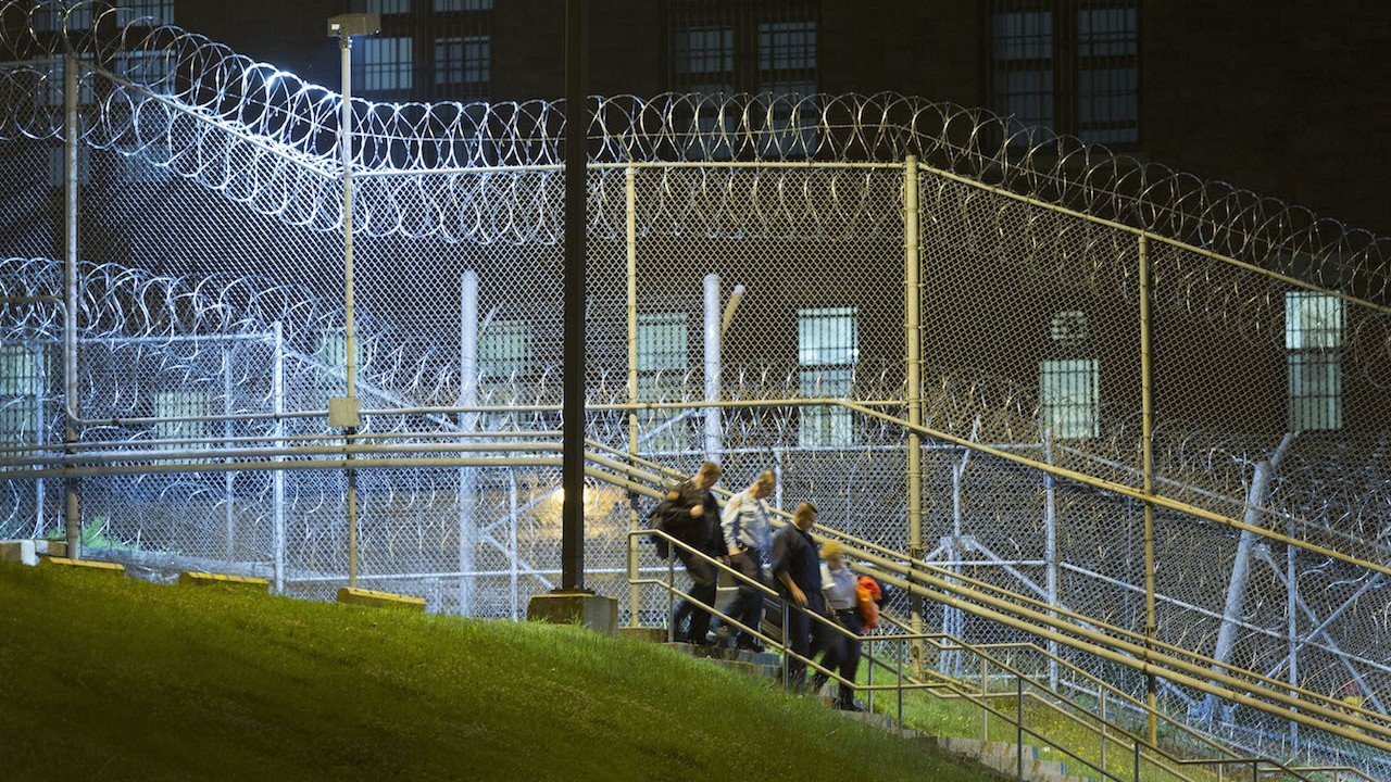 After Two Inmates Escaped in NY, Prisoners Say Guards Beat Them for Information