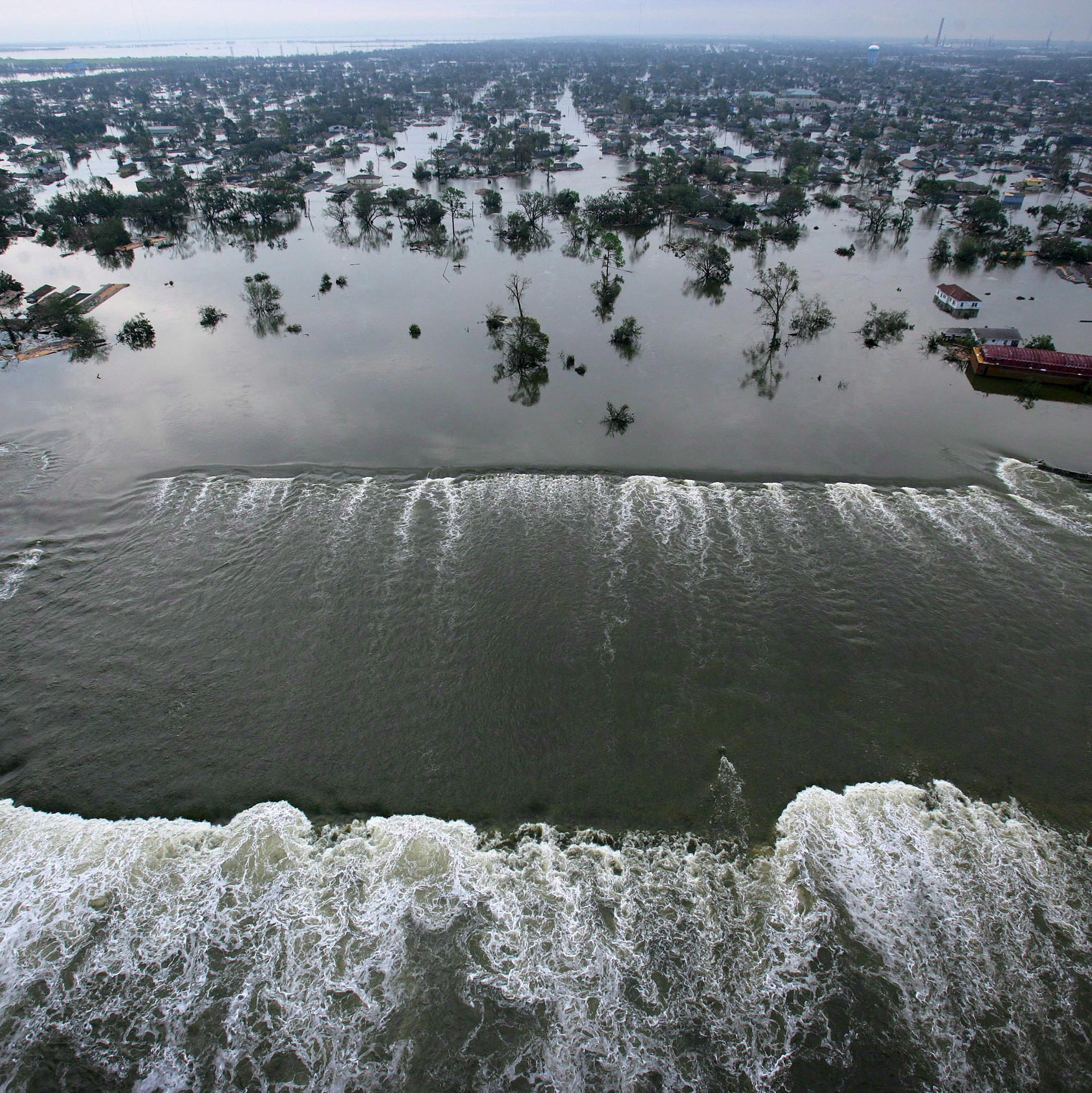hurricane katrina global warming essay Hurricane katrina hurricane katrina was one of the deadliest hurricanes ever to hit the united states hurricane katrina started out as any other hurricane, as the result of warm moisture and air from the oceans surface that built into storm clouds and pushed around by strong forceful winds until it.