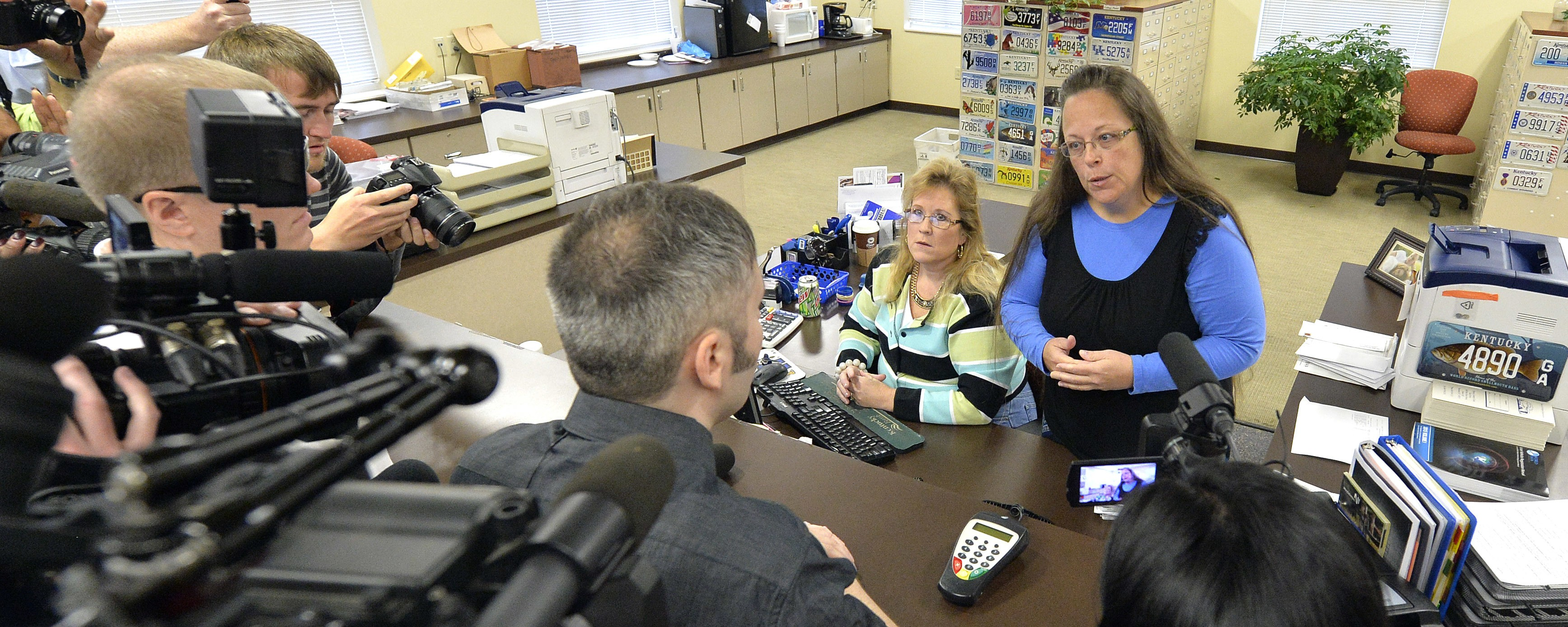Video Shows Kentucky Clerk Denying Same-Sex Marriage License Once Again