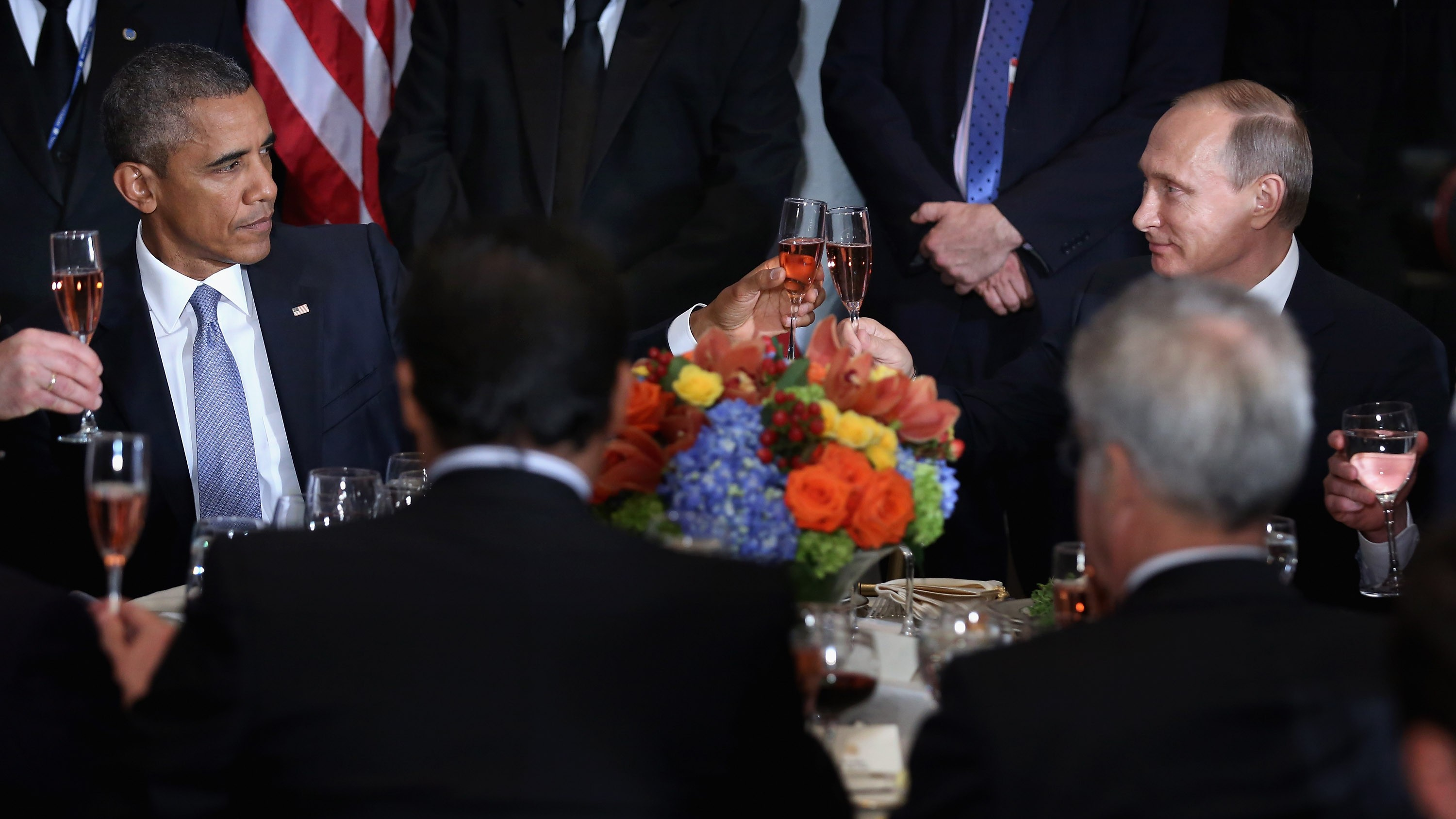 Obama and Putin Talk Trash and Clink Glasses at UN Ahead of Private Meeting