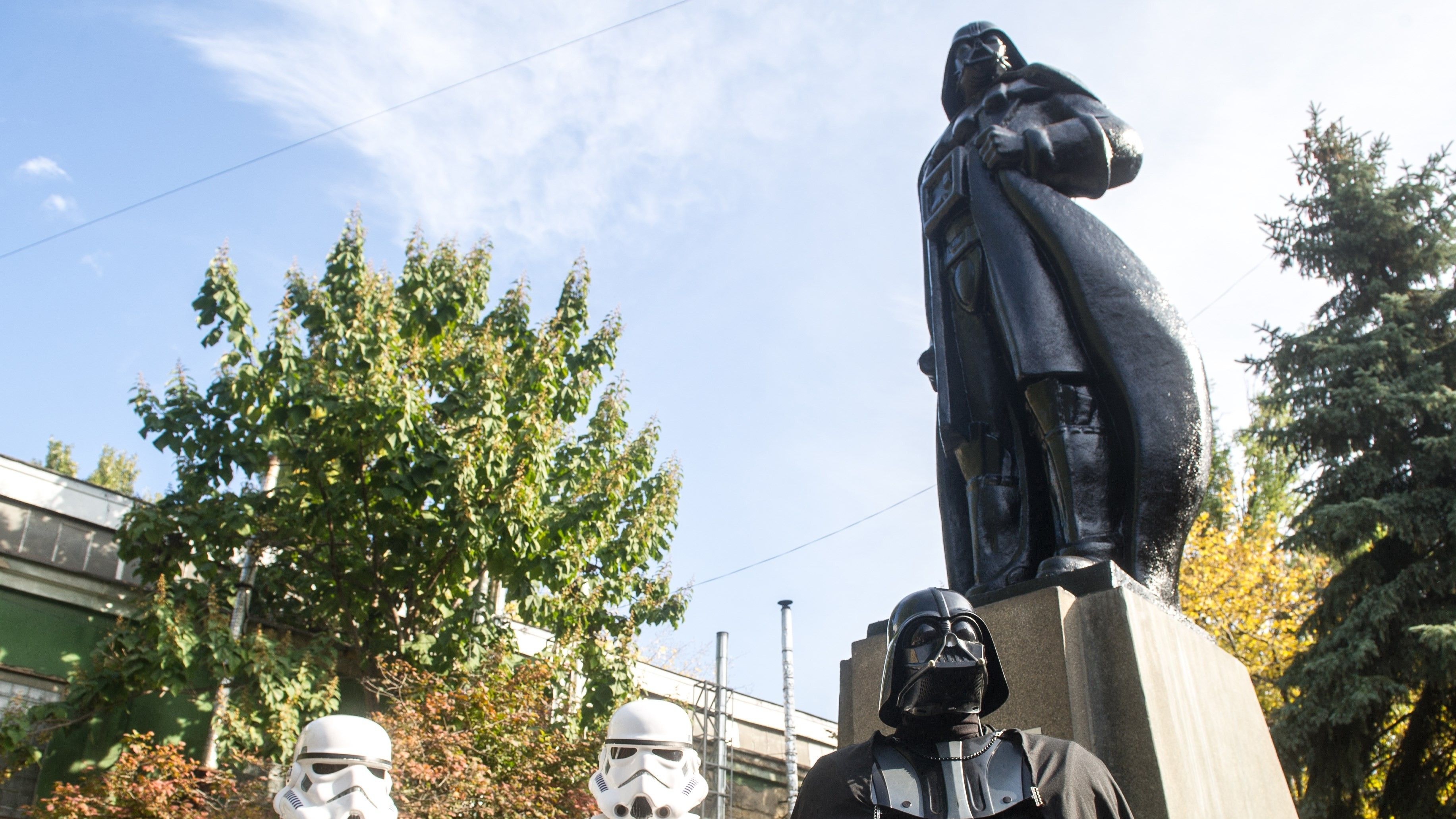 A Ukrainian Artist Decapitated a Statue of Lenin and Replaced It with Darth Vader