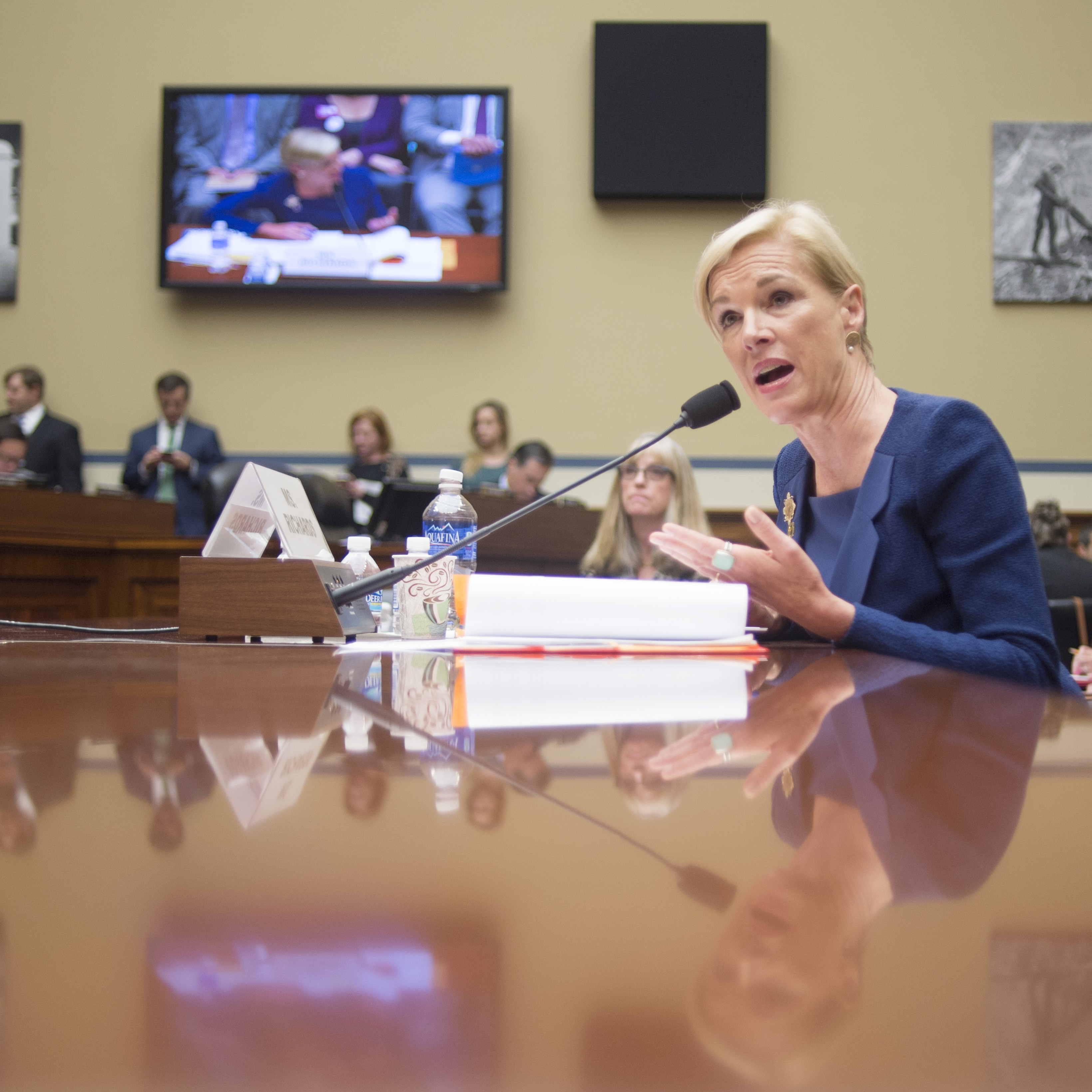 Witness Accounts Conflict With Planned Parenthood: Senate Votes To Defund Planned Parenthood, Obama Promises