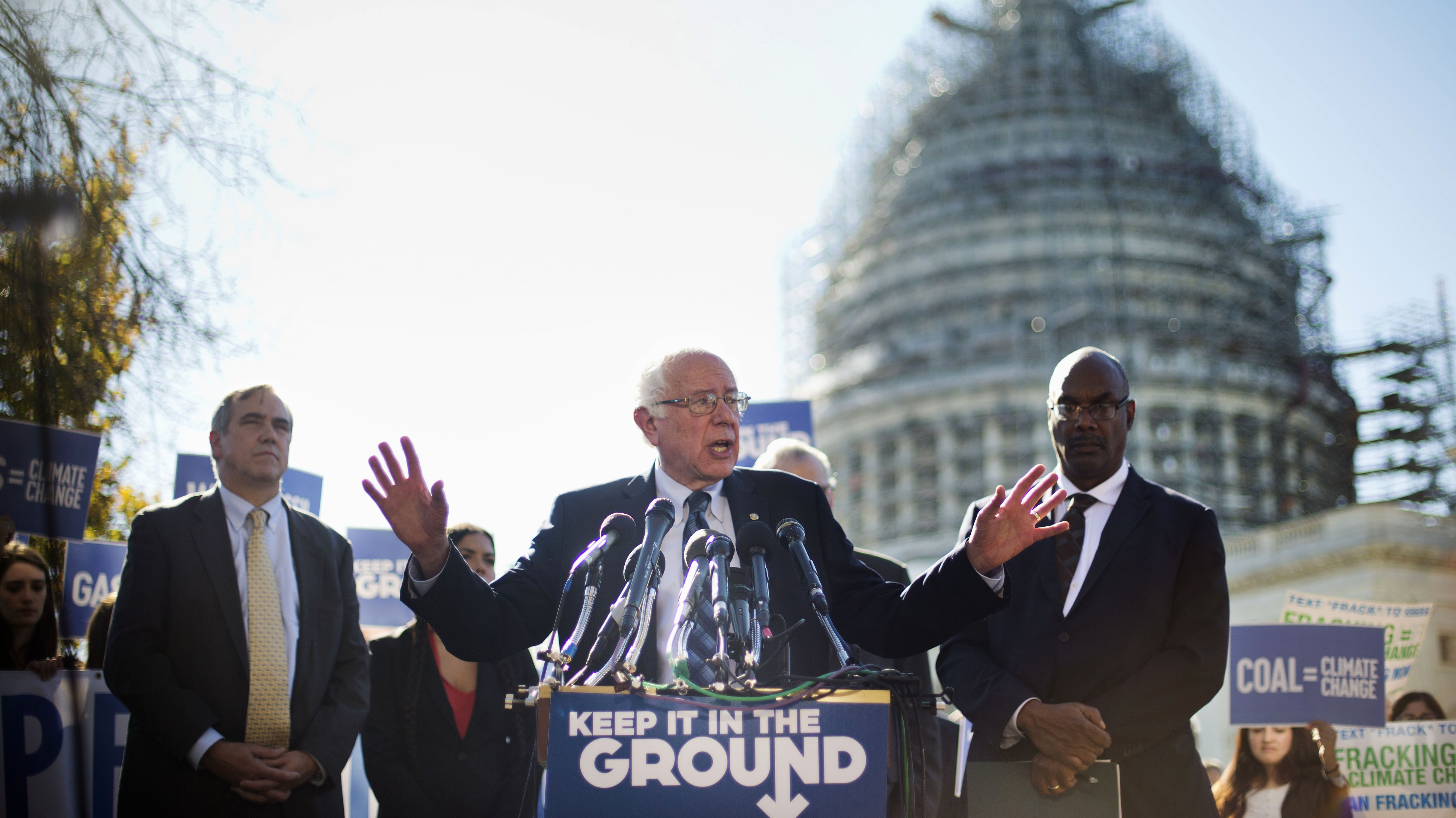 Bernie Sanders Has a Plan to Take on the Fossil Fuel Industry