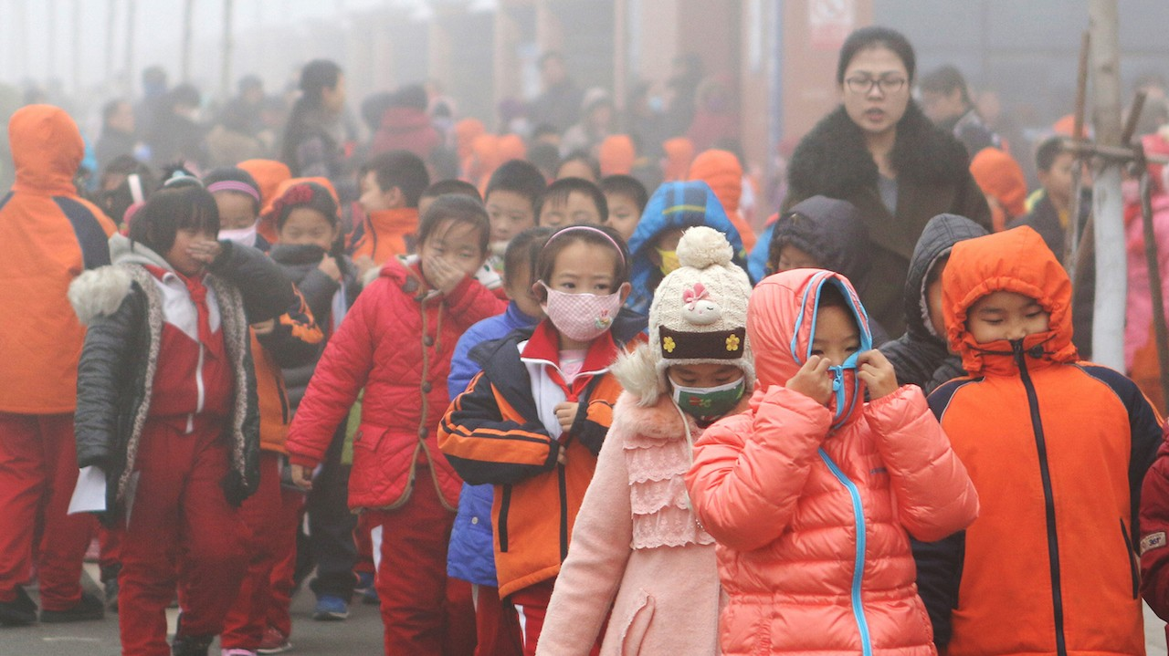 This Is What China Looks Like When Its Cities Are on a 'Red Alert' for Smog