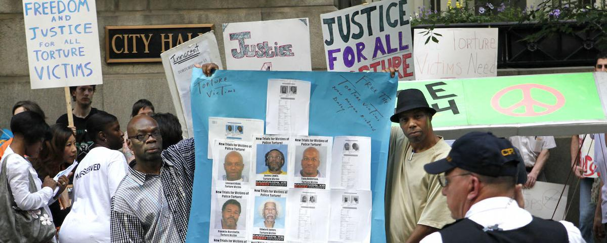 Chicago Mails Out Checks Totalling $5.5 Million to Police Torture Survivors