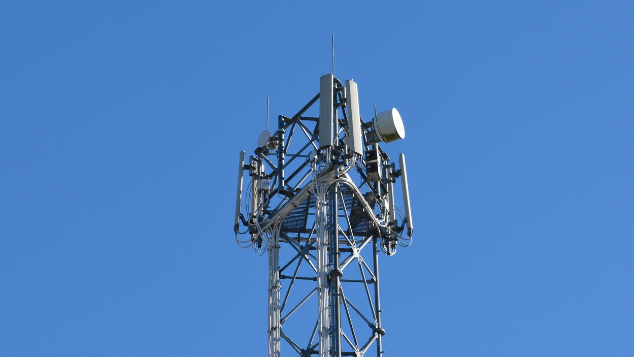 Canadian Cops Can Still Use an Unconstitutional Mass Surveillance Tactic to Grab Your Cell Data