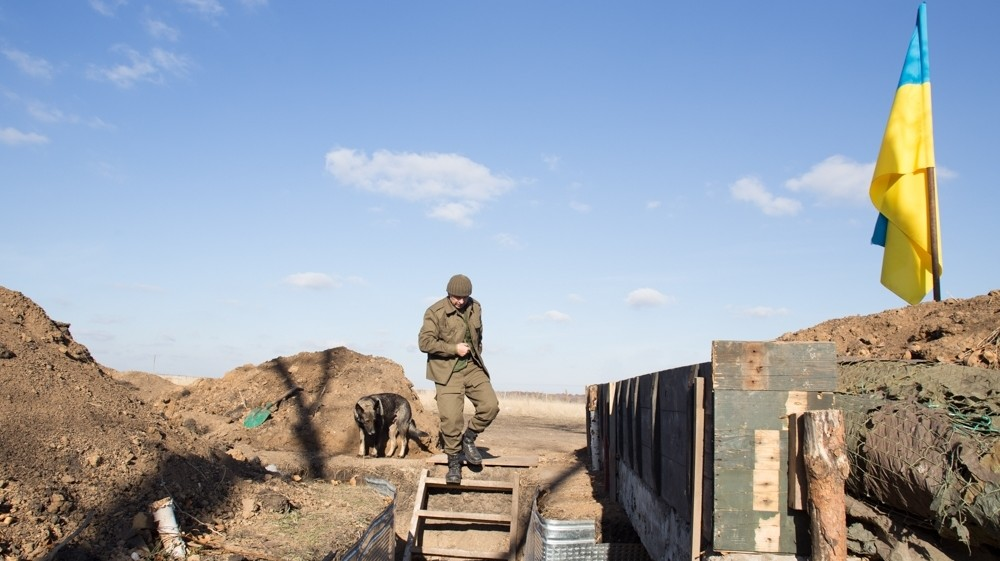 The Priest, the Pianist, a Cat, and a DIY Sauna—One Week in Ukraine's Forgotten War