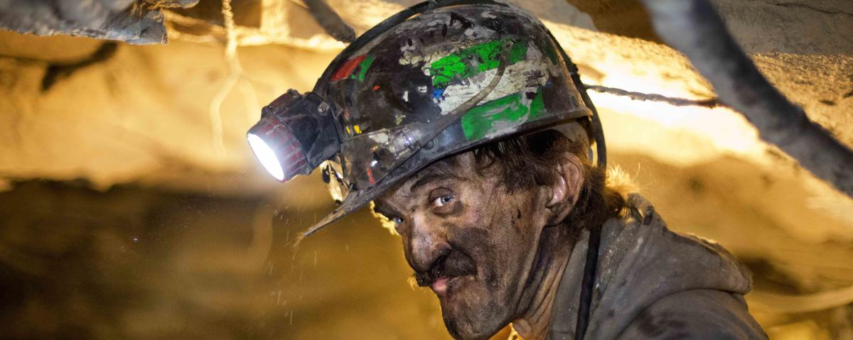 A Bankrupt Coal Company Plans Huge Executive Bonuses — And Steep Cuts to Employee Benefits