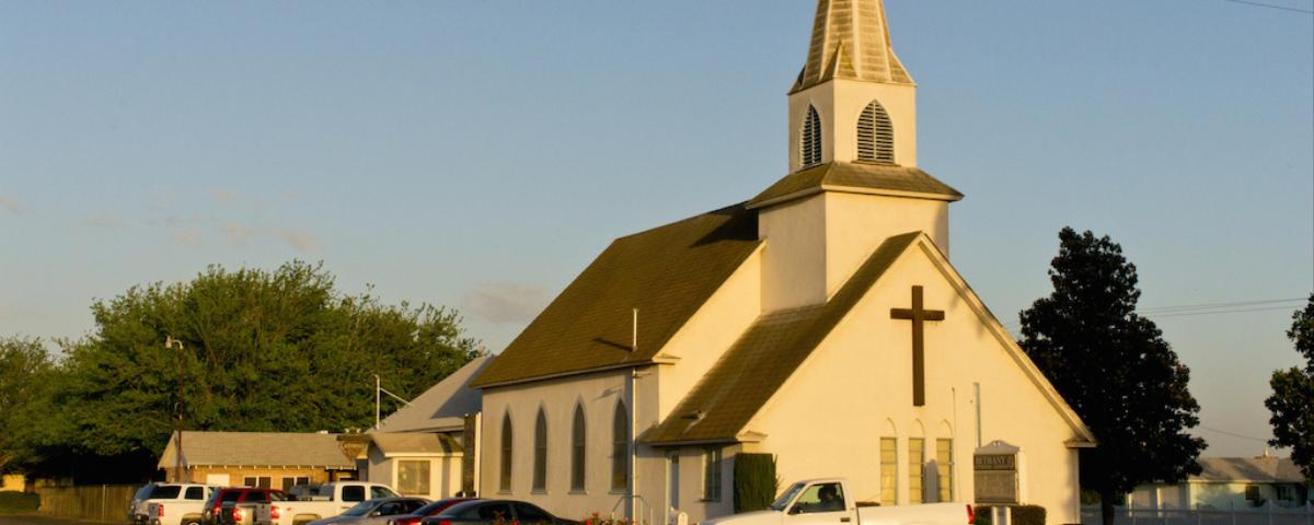 us immigration sting on church breaks with policy on sensitive