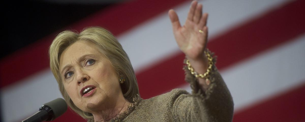 Hours Before South Carolina Primary, 1,500 Pages of Hillary Clinton Emails Are Released