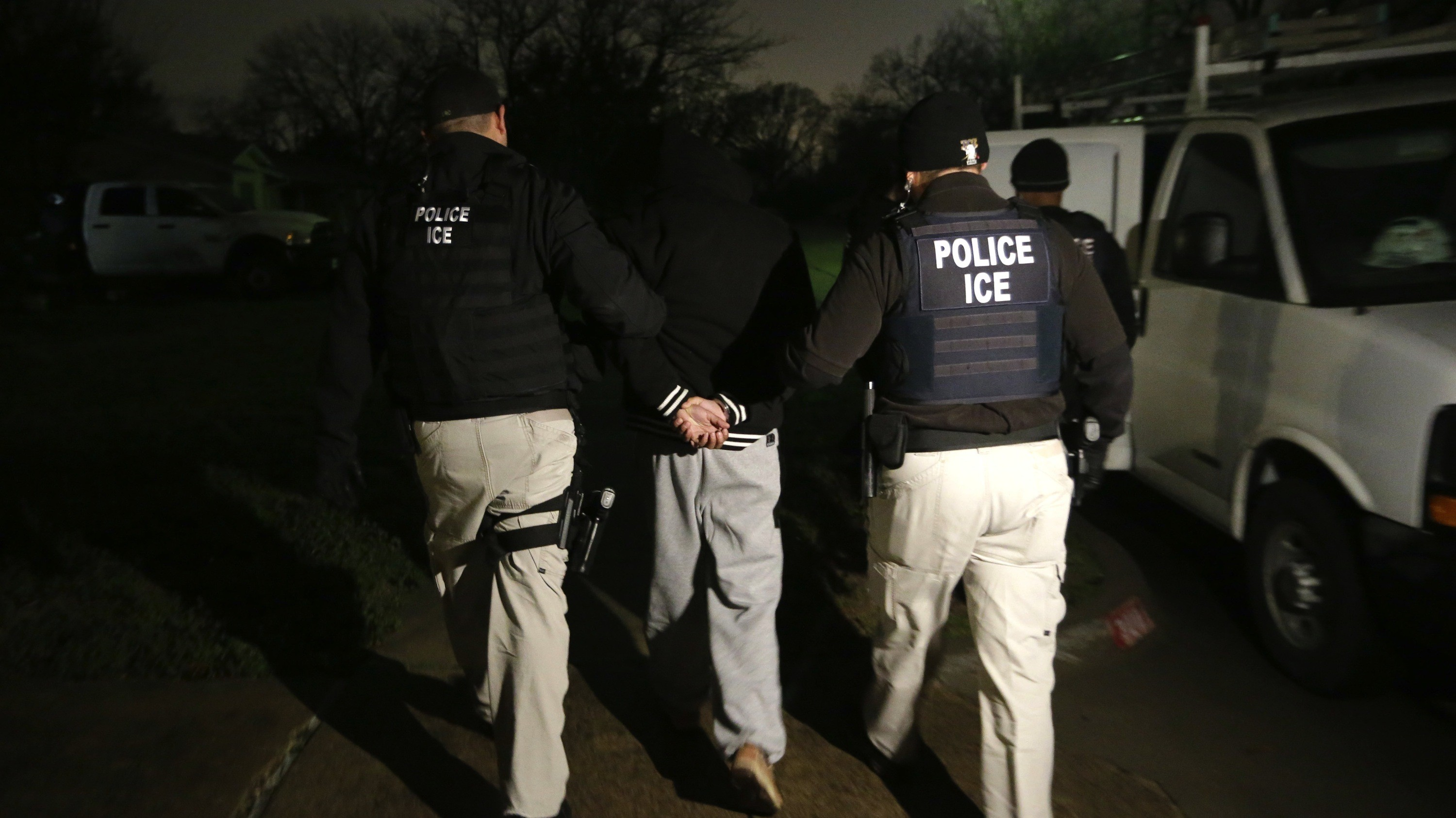There's a New US Policy on 'Sanctuary Cities' That Makes It Easier for ICE to Deport People