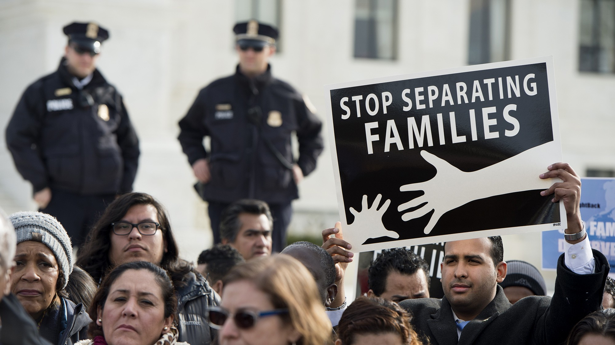 A Deported Central American Family Can Now Return to the US to Seek Asylum