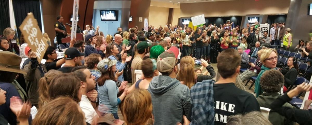 Protesters Take Over Federal Auction of Oil and Gas Leases in the Gulf of Mexico