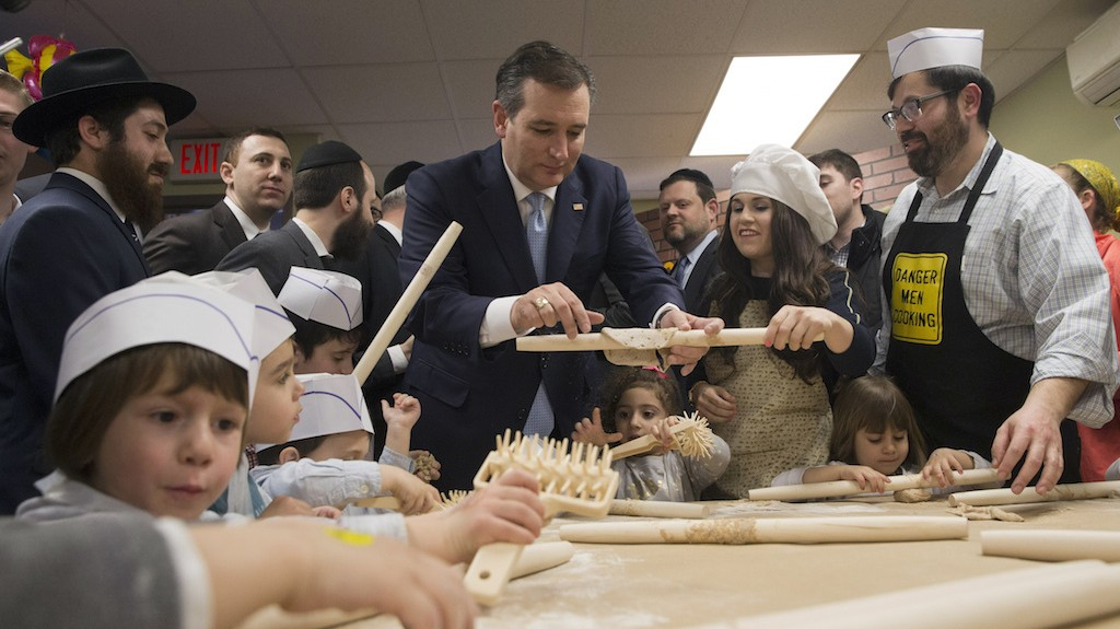Ted Cruz Baked Matzo and Sang Passover Songs in Brooklyn to Win Over New Yorkers