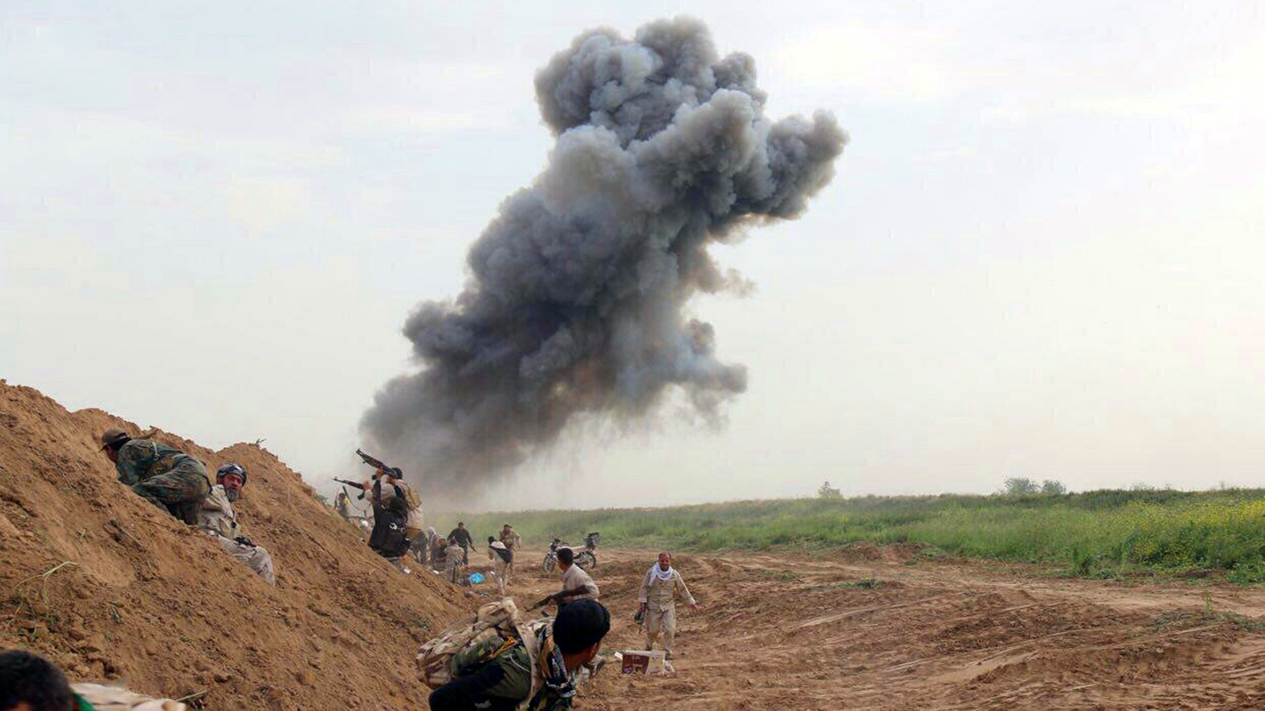 Islamic State Regains Key Stronghold as US Coalition Pounds It With Airstrikes