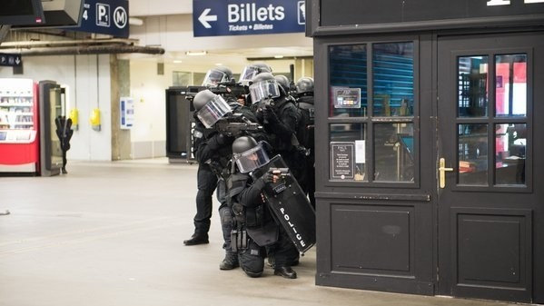 French Special Forces Stage Mock Terror Attack So They Can Learn to Get Along