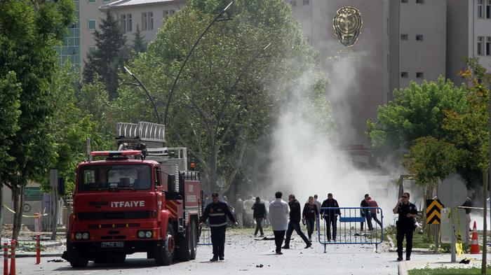Fatal Car Bombing in Southern Turkey Overshadows May Day Gatherings