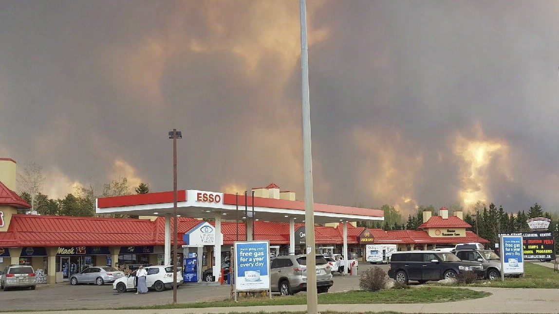 Apocalyptic Alberta Wildfire Could Stunt Canada's Economy as Oil Production Slows